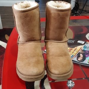 UGG AUSTRALIA BOOTS BROWN CLASSIC 8